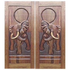 Если вы открыли дверь и оказались в доме своего детства - такой сон предвещает счастье и общение с родственными...